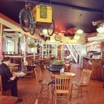 夜遅くまで楽しめるカフェ&レストラン−Fast Eddys